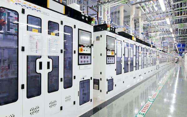 サムスンの半導体工場には日本製装置がずらりと並ぶ