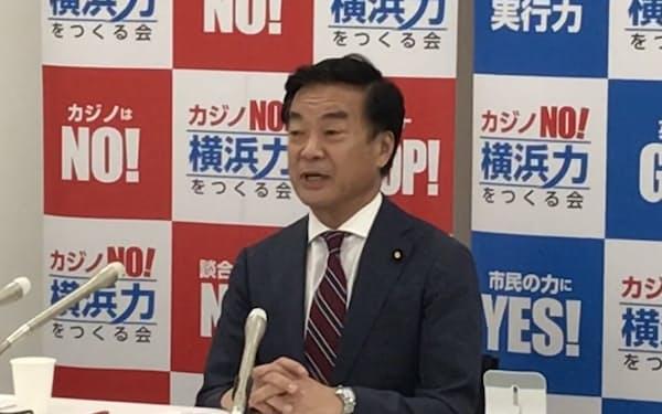 横浜市長選への出馬を表明した松沢氏(20日、横浜市)