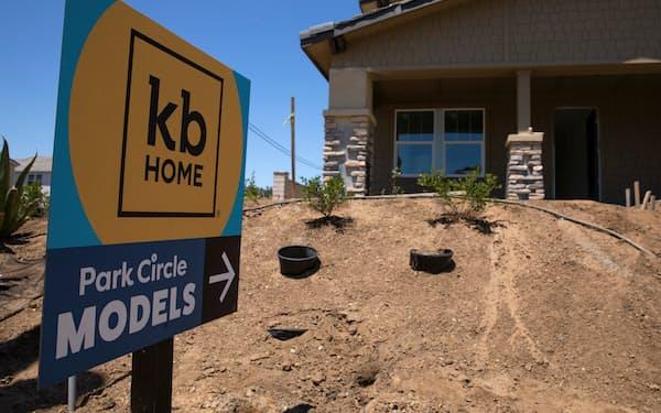 建設中の住宅(米カリフォルニア州)=ロイター