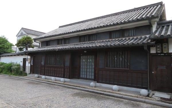 外観はそのままに、改修が始まった旧藤岡邸