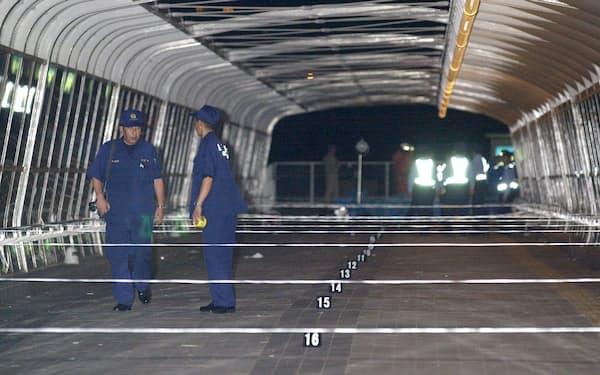 花火大会の見物客11人が亡くなる事故があった歩道橋(2001年7月22日未明、兵庫県明石市)