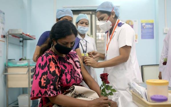 パンデミック下のインドでは、超過死亡が340万~470万人に達したとする推計もある=ロイター