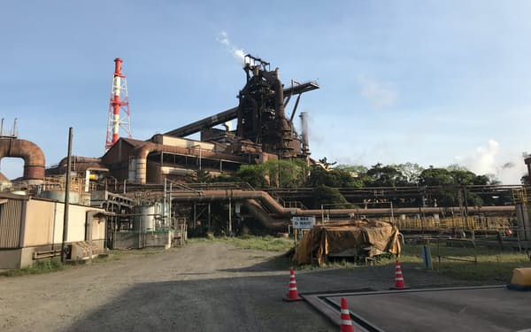 粗鋼生産の持ち直しは鮮明となっている(JFEの千葉市の東日本製鉄所千葉地区)