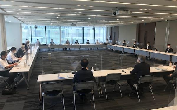 東京最低賃金審議会は28円の最低賃金引き上げを答申した(21日)