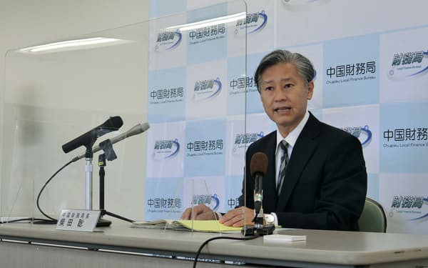 柴田氏は地域金融にも造詣が深い(21日、広島市)