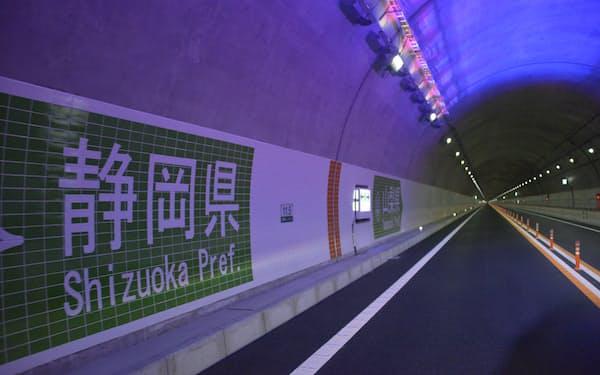 山梨―静岡間が8月29日に全線開通することになった(中部横断自動車道)