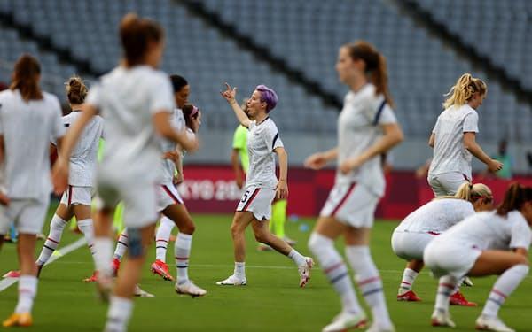 東京五輪の競技が始まり、米国では女子サッカーが注目された(21日、東京・味の素スタジアム)=ロイター