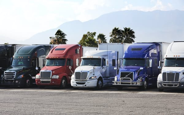 ウーバーは17年からトラックの配車サービスも手掛ける(同社提供)