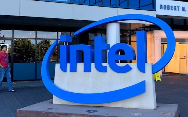 インテルの業績に薄日が差してきた(米カリフォルニア州サンタクララ市の本社)