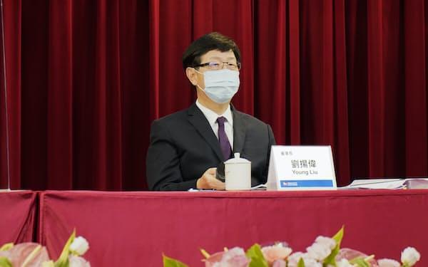 劉董事長は23日の定時株主総会でEV事業に強い意欲を見せた=鴻海提供