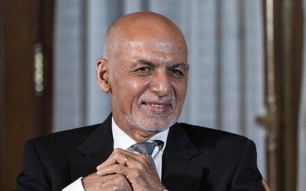 アフガニスタンのガニ大統領(6月25日、米ワシントン)=AP共同