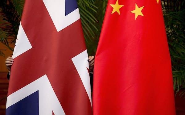英中関係は香港問題や中国の人権侵害を巡る対立で冷え込んでいる=ロイター