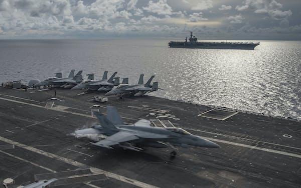 中国をけん制するため、米軍は南シナ海や台湾海峡周辺での活動を活発化している=AP
