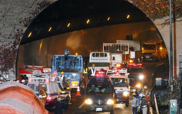 2012年の笹子トンネルの天井板崩落事故でインフラ老朽化が顕在化した(山梨県大月市)