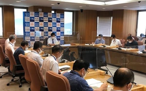 静岡県は新型コロナの対策本部で沼津、下田市の飲食店に営業時間の短縮を要請する方針を決めた