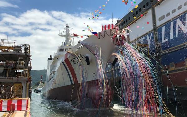 フィリピン向け大型巡視船の進水式(山口県下関市)