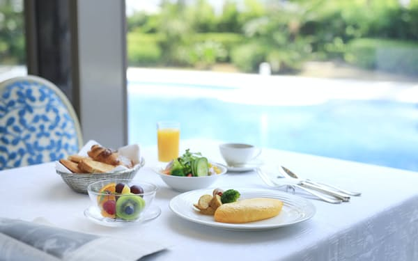 ホテルニューオータニ幕張はワクチン接種者を対象に、素泊まり料金で朝食ビュッフェを楽しめるプランを用意した