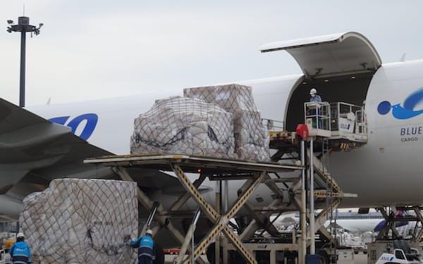 航空貨物の荷動きが増える中、運賃も高止まりしている