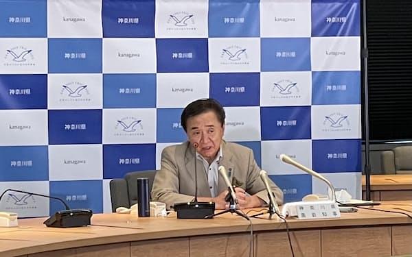 神奈川県の黒岩祐治知事が緊急事態宣言の要請などについて述べた(28日、県庁)