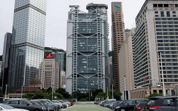 米制裁に従う金融機関が影響を受ける可能性もある(香港の金融街・中環)=ロイター
