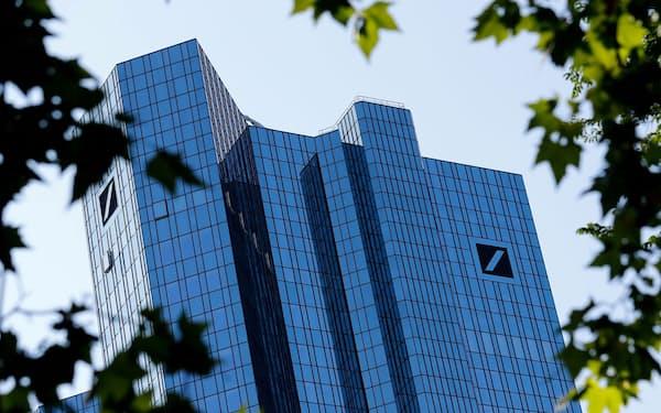 経営再建を進めるドイツ銀行本店(フランクフルト)=ロイター