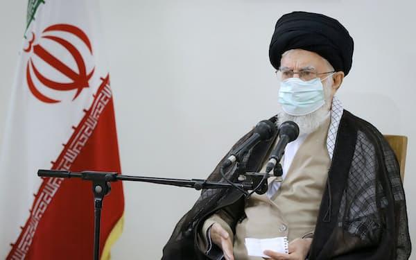 フゼスタン州の水不足に抗議するデモに理解を示したイランの最高指導者ハメネイ師(23日)=AP