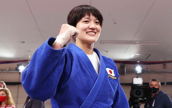 女子70㌔級で金メダルを獲得した新井