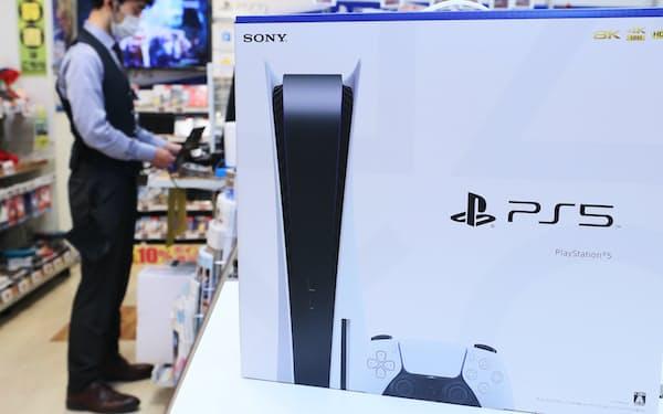 PS5は今も店頭では品薄の状態が続いている。