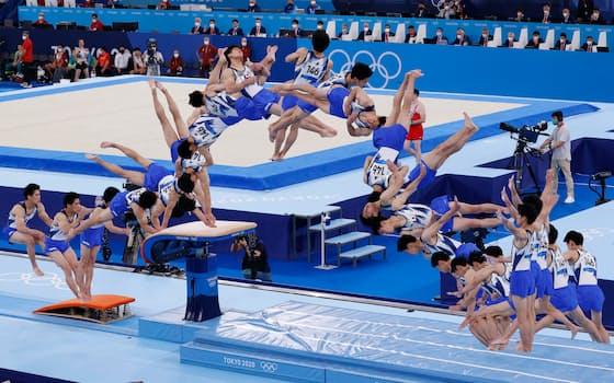 跳馬の演技をする橋本の連続合成写真(左から右へ)