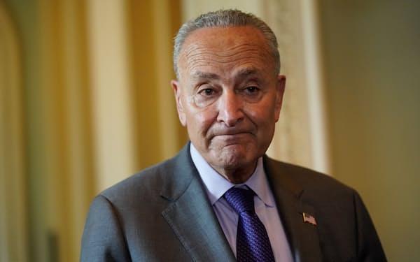 上院民主党トップのシューマー院内総務はインフラ法案の早期可決をめざす=ロイター