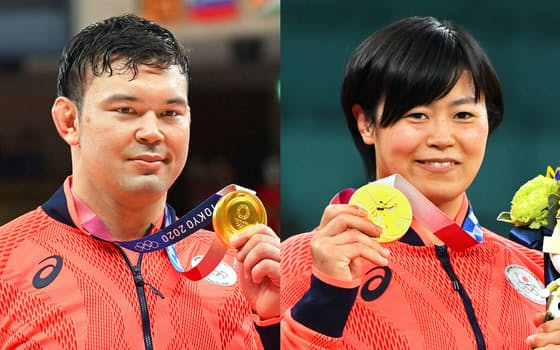 金メダルを獲得したウルフ・アロン(写真左)と浜田尚里(29日、日本武道館)