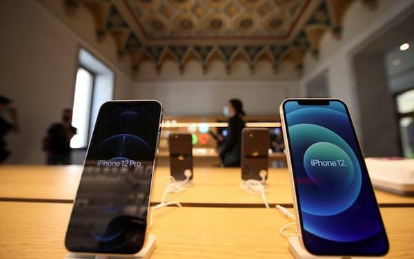 台湾経済は、スマートフォン向けをはじめ海外の半導体需要に支えられている=ロイター