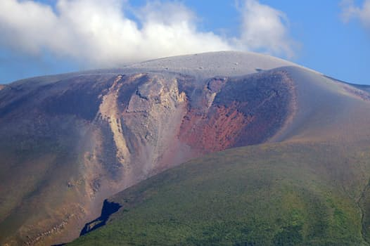 町から見える浅間山のハート型の崩落。建築家を目指したぼくは麻里子でなく雪子と結ばれた