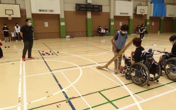 パラリンピックの種目にもなっている球技ボッチャの大会も開かれている