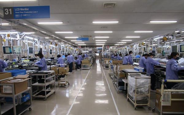 世界的な半導体不足の中でも、戦略的に積み増した在庫で安定供給を続けた(石川県白山市の工場)