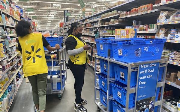 ウォルマートは一部の店舗で従業員のマスク着用義務を復活させる(6月、ニュージャージー州)