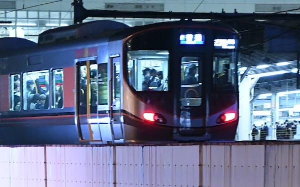 JR西日本は8月2日から一部の列車で終電時間を繰り上げる