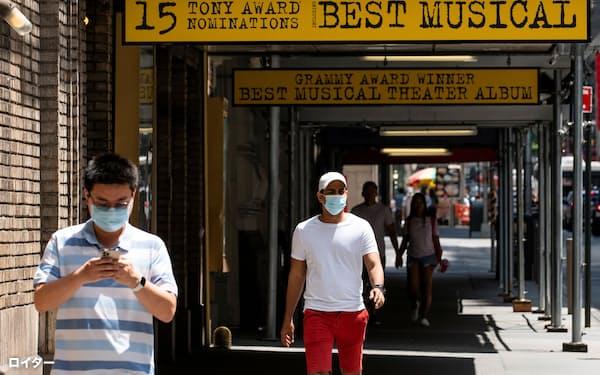 CDCは7月、ワクチン接種者もマスクの着用すべきだと方針転換=ロイター