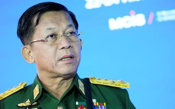 ミャンマーの「首相」に就任するミン・アウン・フライン国軍総司令官=ロイター