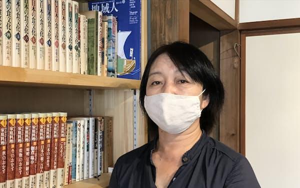 「食」に関する蔵書1200冊の図書館を開設した高橋真理子氏