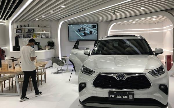 トヨタ自動車の7月中国新車販売は2カ月ぶりに前年実績を上回った(広東省広州市の販売店)