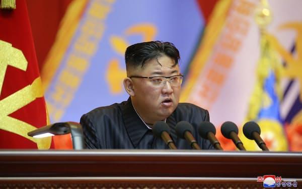北朝鮮は制裁が禁じる高級酒や背広の輸入も認めるよう求めている=朝鮮通信