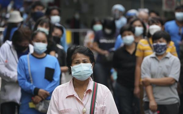アジア新興国ではデルタ型の感染が拡大している=AP