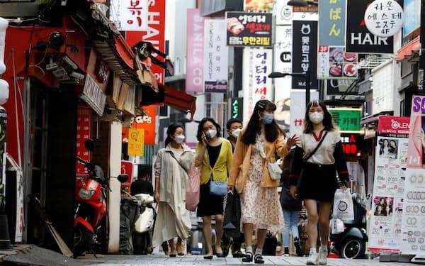 韓国ではネット金融やフィンテックサービスの普及を韓国政府が後押ししている=ロイター