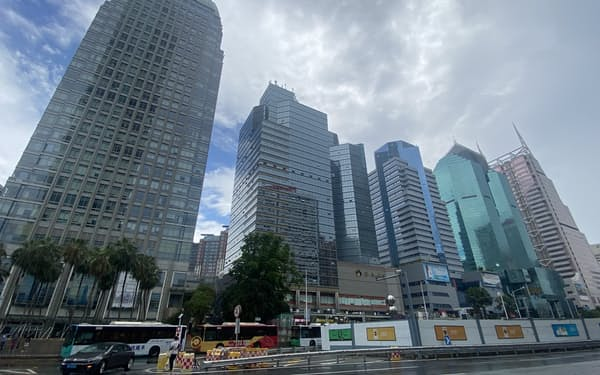 中国の大都市でオフィスの需給ギャップが広がっている(3日、広東省深圳市)