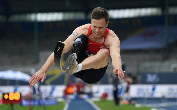 東京パラリンピックでは東京五輪の記録を超える大ジャンプを狙う=ロイター