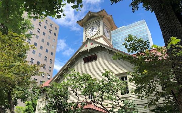 北海道の外国人人口は減少した(札幌市の時計台)