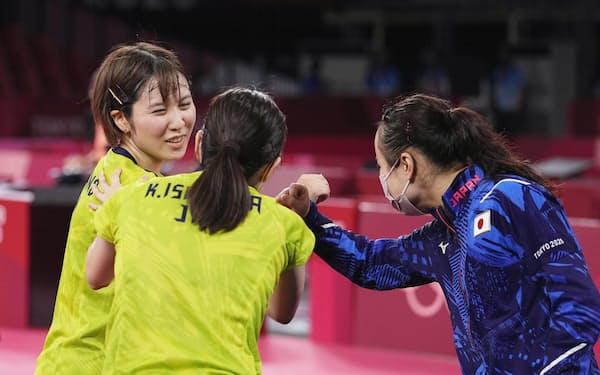 卓球女子団体の日本は決勝で3連覇中の中国に挑む=共同
