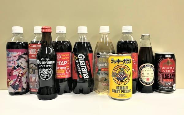 ご当地キャラ「北乃カムイ」とのコラボ商品(左端)など、北海道には多様なガラナ飲料がある