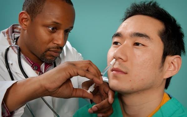 米国ではインフルエンザの鼻ワクチンが承認されている=米CDC提供